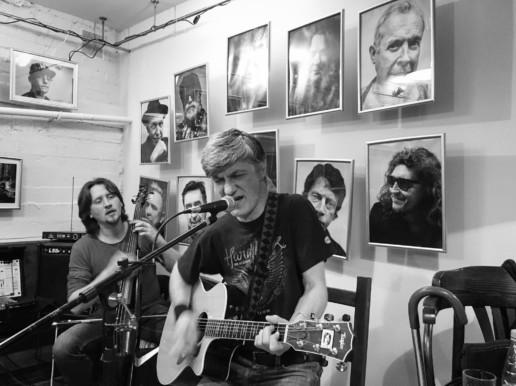 Фотовыставка Эпоха рока, Макс Сухомлин